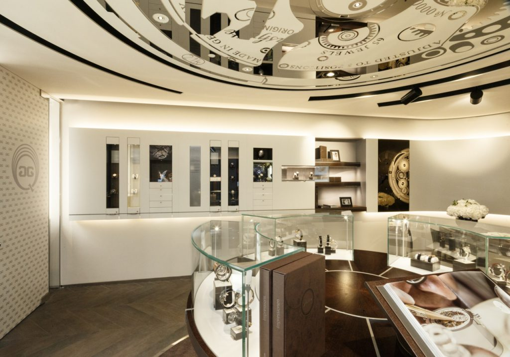 SwatchGroup - Glashütte Original Boutique Paris - Innenaufnahmen Wand links